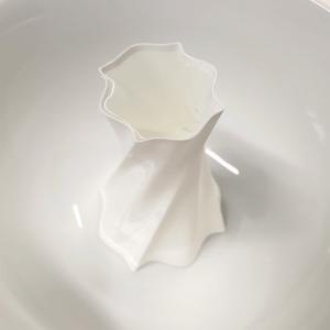 3d gedruckte Vase in weisser Schale, wasserdicht
